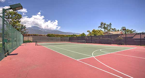 Waterstone Alta Loma Apartments Community tennis court