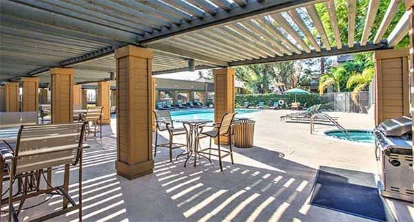 Waterstone Alta Loma Apartments Community pool